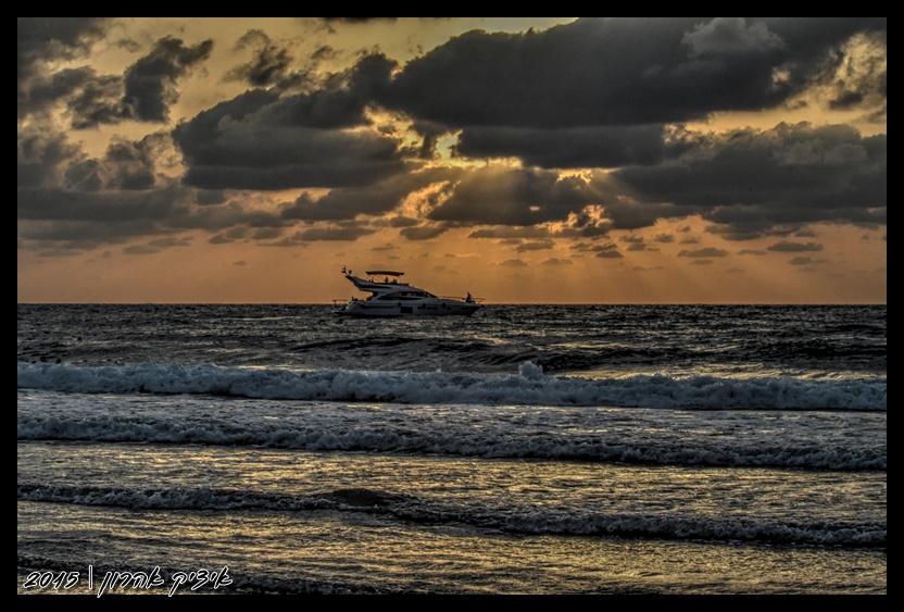 שקיעה בחוף הרצליה | צילום איציק אהרון